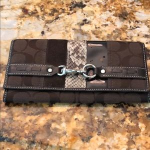 Large coach wallet- snap closure